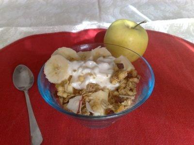 Yogurt con frutta e muesli Ricette per bambini 4-10 anni