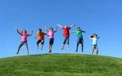 Bambini all'aria aperta