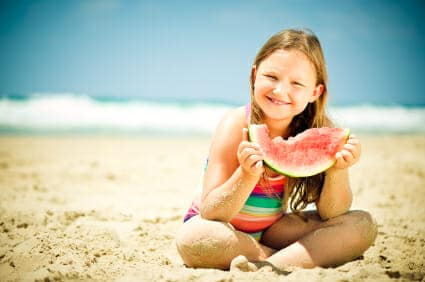Alimentazione estiva: cosa mangiare al mare in spiaggia