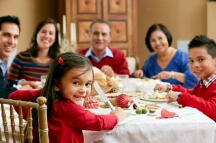 Natale e bambini: nell'alimentazione è importante evitare gli eccessi