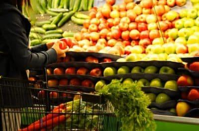 Risparmio sulla spesa alimentare: attenzione alla dieta dei bambini