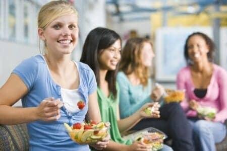 Dieta per adolescenti: 4 consigli per la corretta alimentazione