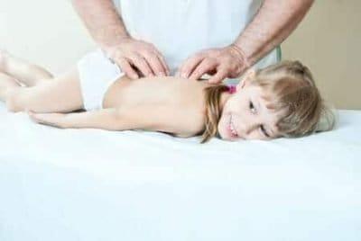 L'acanthosis nigricans nei bambini: cause e cure della manifestazione cutanea