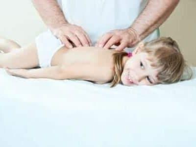 L'Acantosi nigricans nei bambini: cause e cure della manifestazione cutanea
