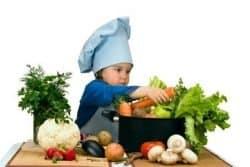 Bambina e verdure