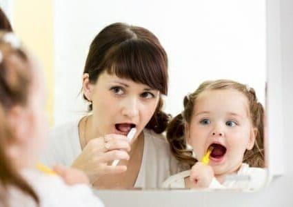 Carie bambini: l'igiene dentale in 3 mosse