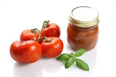 Conserva di pomodoro: storia, preparazione e qualità nutrizionali
