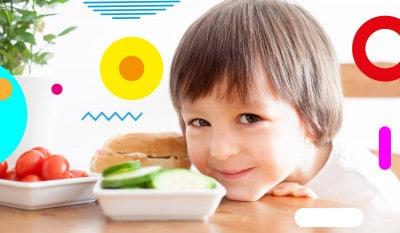 Alimentazione dopo lo svezzamento,bambino con piattini di verdure - - alimentazionebambini. It by coop