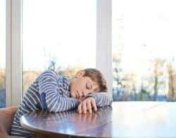 Bambino stanco (integratori)