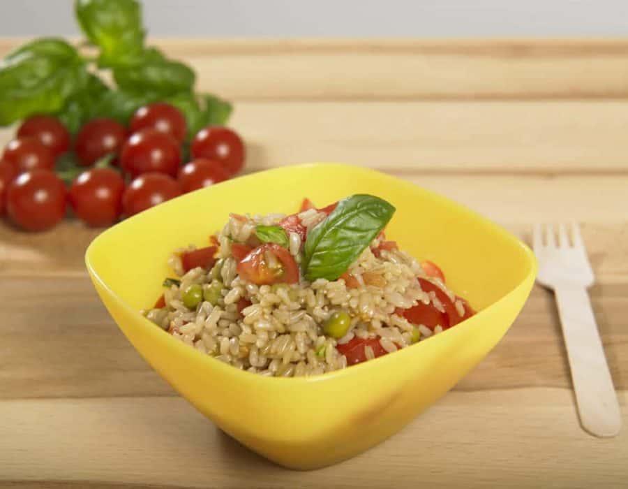 Insalatina di riso integrale al profumo d'estate ricette per bambini 1-3 anni