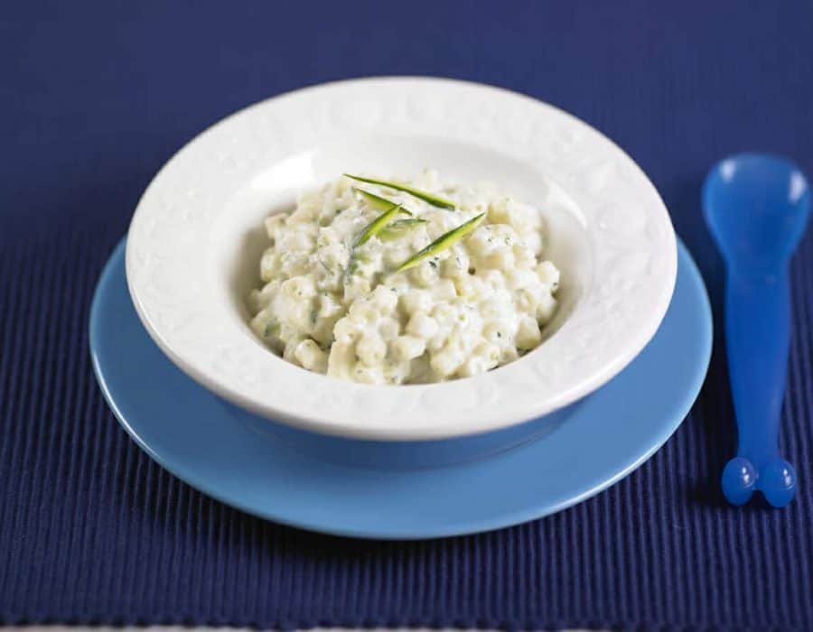 Pastina con crema di zucchine e robiola ricette per bambini 1-3 anni