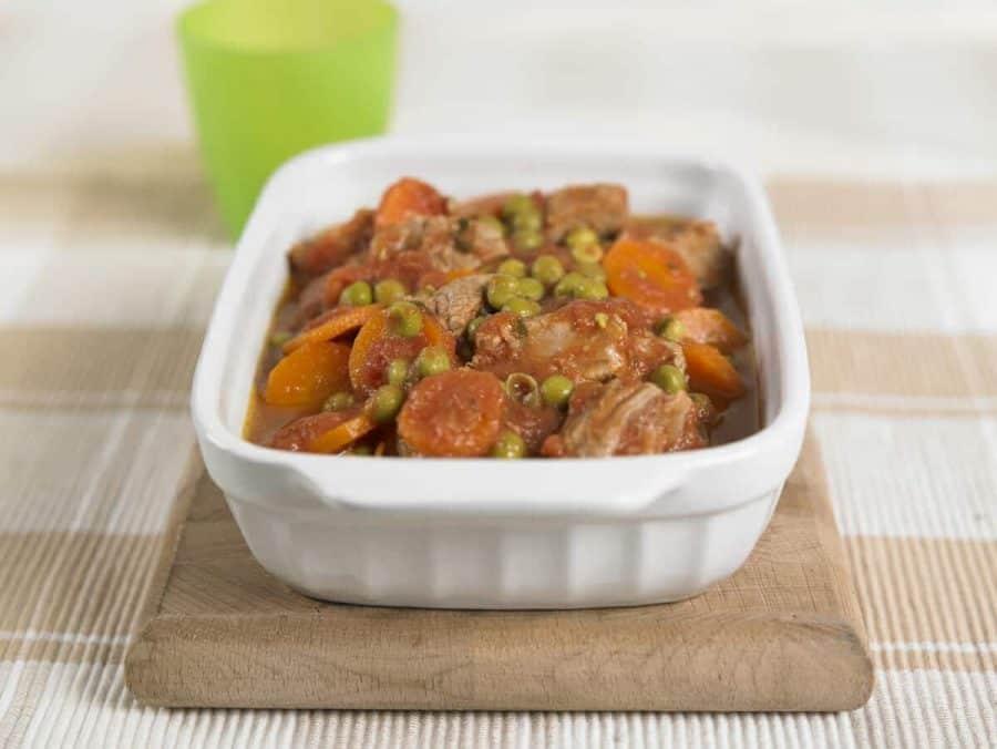 Spezzatino di vitello con carote e piselli ricette per bambini 4-10 anni