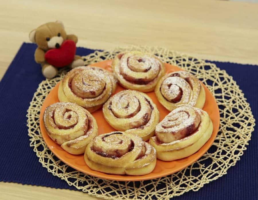 Dolci rose per la festa della mamma ricette per bambini 1-3 anni