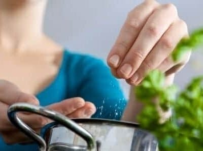 Alimentazione dei bambini, attenzione al sale