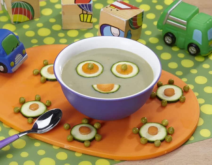 Crema soffice di piselli e zucchine Ricette per bambini 1-3 anni
