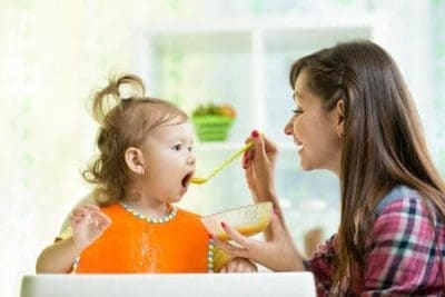 Non mangia abbastanza o è solo ansia di mamma e papà?