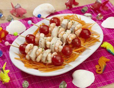 Spiedini di pesce su letto di carote Ricette per bambini 4-10 anni
