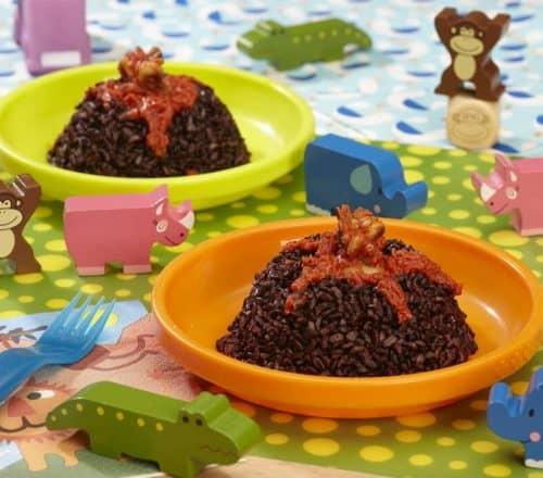 Vulcano marino di riso venere con sorpresa Ricette per bambini 1-3 anni