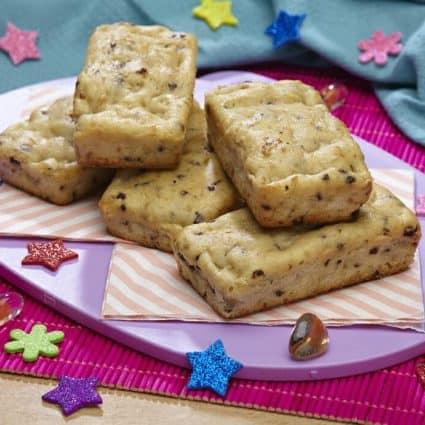 Plum-cake farina di riso, pere e gocce di cioccolato