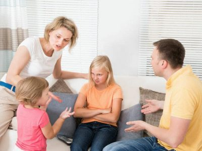 bambini che litigano