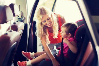 bambini e sicurezza in macchina