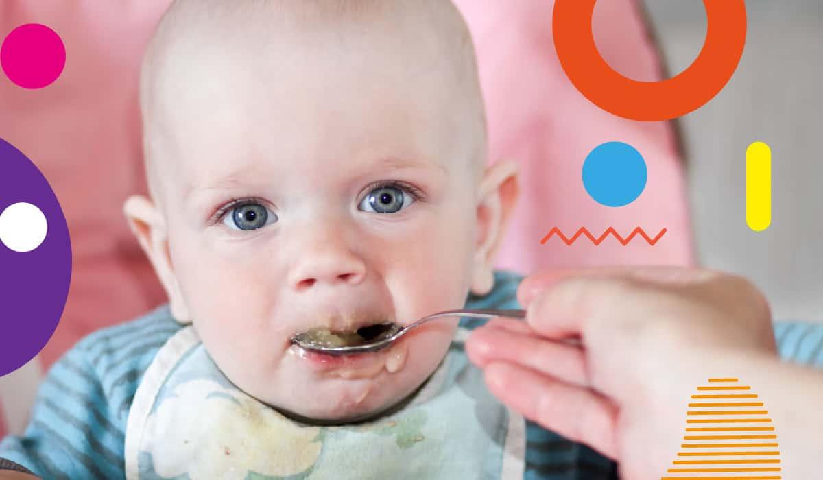 Anisa da pappa durante lo svezzamento, bimbo che viene imboccato - alimentazionebambini. It by coop