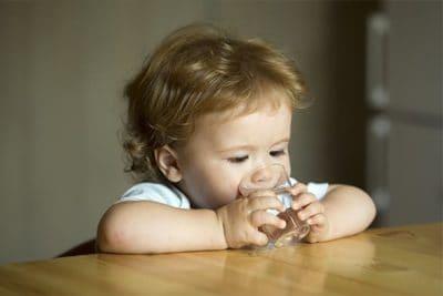 Da colazione a cena: i consigli dei pediatri su alimenti e quantità (in svezzamento)
