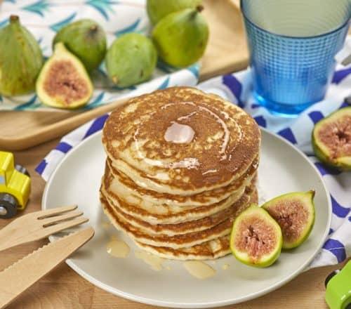 Pancakes con yogurt e fichi