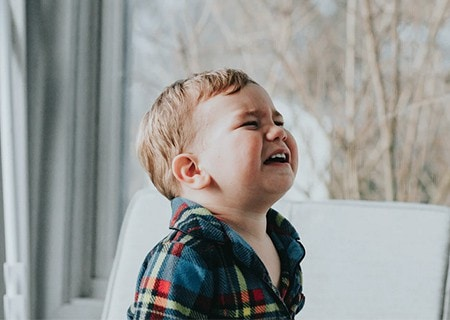 Bambino che piange e fa in capricci