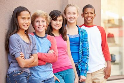 gruppo di ragazzi preadolescenti tra gli 11 e i 15 anni