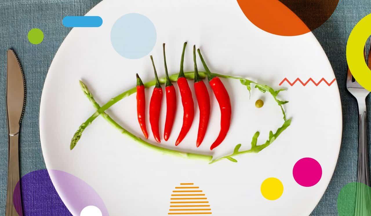 Il pesce ai bambini, pesce disegnato su un piatto con delle verdure - alimentazionebambini. It by coop