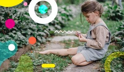 Rientro dalle vacanze, bimba che gioca in giardino - alimentazionebambini. It by coop