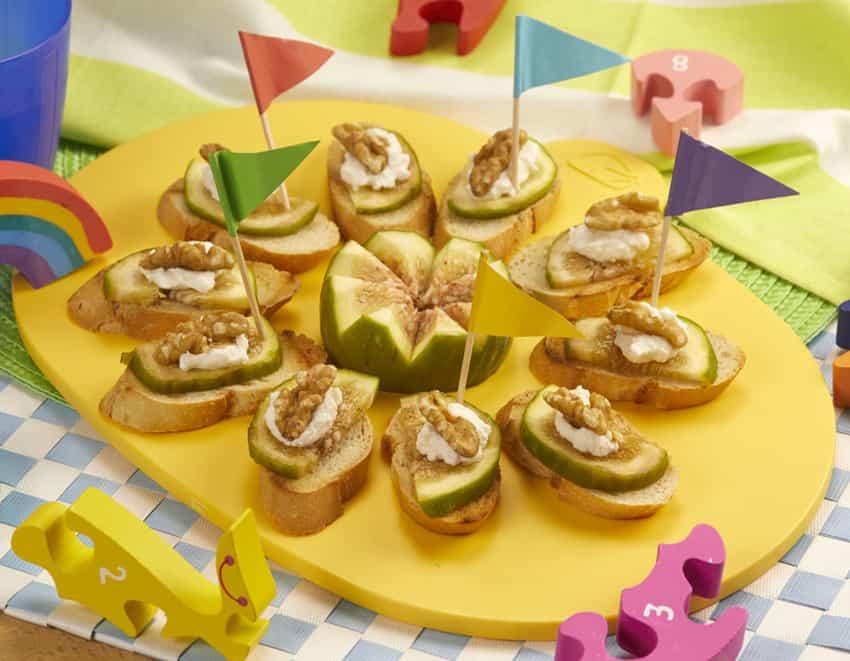 Crostini: fett di pane con ricotta, fichi e noci- alimentazionebambini. It by coop
